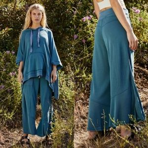 Free People Movement stride on wide leg crop pants